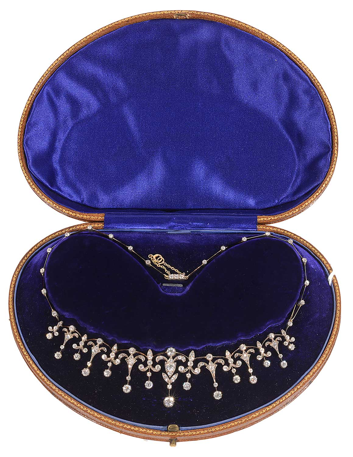 An exquisite Edwardian diamond necklace converting to a tiara